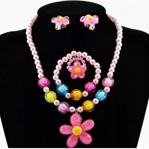 Girls Jewelry Flower Necklace 4pc Set New